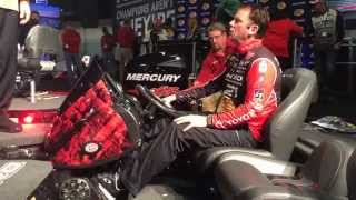 Kevin VanDam Shows off the Nitro Z21 - Part 2
