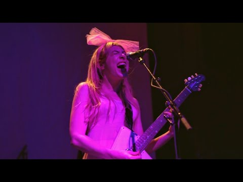 Charly Bliss - Chatroom [4K] (Rough Trade NYC 5/20/19)