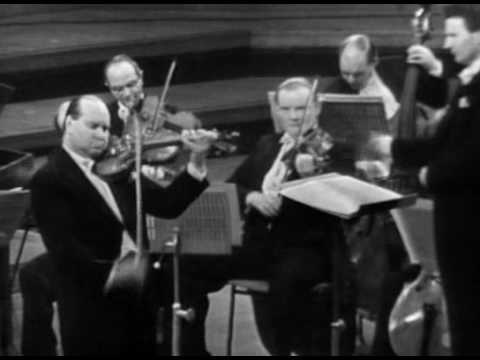 David Oistrakh - Bach Violin Concerto in A minor (1st mvt.)