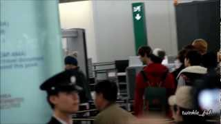 [Fancam] 121201 EXO Leave Hong Kong Airport