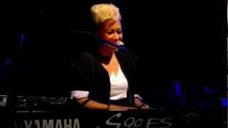 Emeli Sandé - Clown (Live)  Chicago