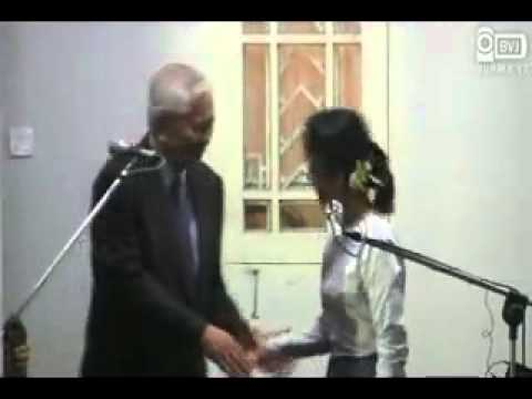 Daw Aung San Suu Kyi meets Mr Albert F.Del Rosario