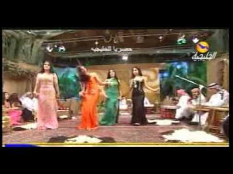 iraqi dance          رقص و غنا عراقي