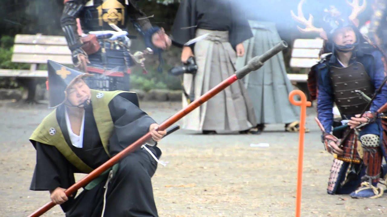 町田 時代祭り 石火矢 - YouTube