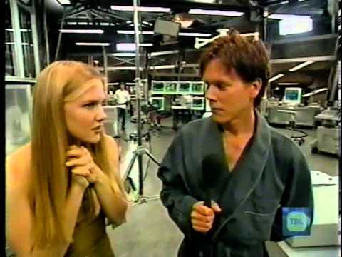 Dominique Swain and Kevin Bacon on TRL 1999 Part 1
