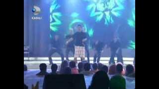 AYTUNC BENTURK BURN TO DANCE 2010 BEYAZ SHOW , CHOREOGRAPHER BY AYTUNC BENTURK