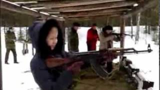 женщины и оружие 1.wmv(Дали девочке в руки автомат..., 2010-03-11T11:21:22.000Z)