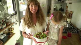 A rhubarb compote recipe, plus -- how to make the perfect oatmeal!