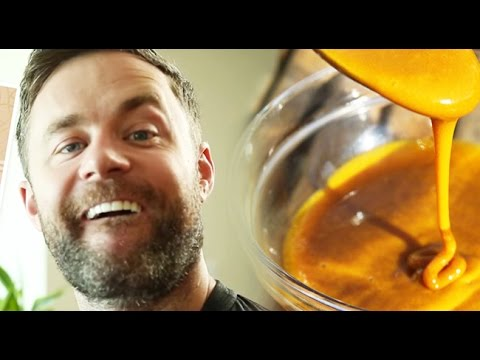 How To Whiten Your Teeth With Turmeric Youtube