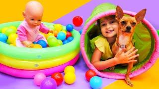 Kız oyunları. Oyuncak bebek bakma oyunu. Selin köpeği Panço ve bebeğe bakıyor
