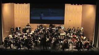 FRANCISCO JOSÉ SERRANO LUQUE dirige la Orquesta Ciudad de Priego.
