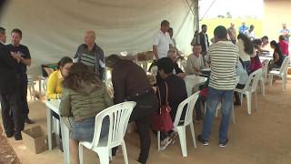 Vereadores participam da entrega das casas do Conjunto Habitacional Jardim Redentor