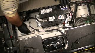 2004 Volvo XC90 2.5L FWD - How to change the battery