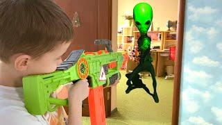 Nerf war alien invasion alien abducted mom маму похитили пришельцы