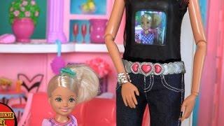 Кукла Барби, серия 502, Кен купил новую игрушку Barbie Photo Fashion со встроенной фотокамерой(Кукла Барби, серия 502, Кен купил новую игрушку Barbie Photo Fashion со встроенной фотокамерой, теперь Барби и Кен смог..., 2015-12-08T08:57:16.000Z)