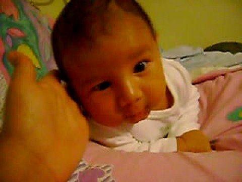 Bebe de 1 mes se sostiene solita su cabeza boca abajo - Cereales bebe 5 meses ...