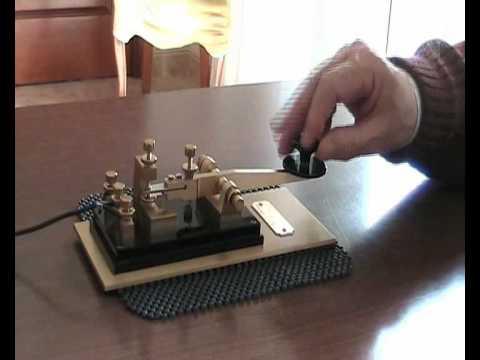 Straight Key Morse Code CW With Marconi 213 I8SOU