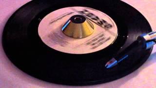 Irene And The Scotts - Why Do You Treat Me Like You Do - Smash PROMO