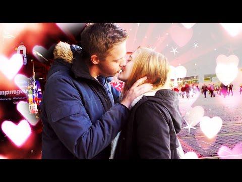 Frau Küssen auf dem ersten Date - Woran merke ich das sie bereit ist geküsst zu werden? von YouTube · Dauer:  7 Minuten 51 Sekunden