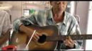 Phôi Pha (Trịnh Công Sơn) on Guitar