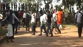 Abayizi ku Ssettendekero w'e Makerere bazzeemu okwekalakasa...Abakulembeze basiibye mu kafubo. thumbnail