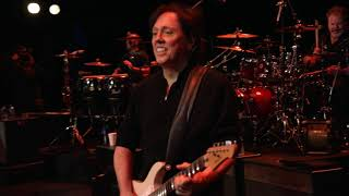 The Doobie Brothers - Listen To The Music  Live From The Beacon Theater