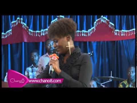 Juliana Kanyomozi performs at the celebrity service