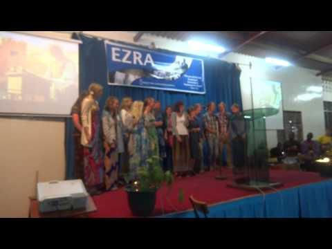 Ifra 28 des 2012 til 2 jan 2013 samlet 1500 ungdommer seg i Nairobi, Kenya på Ezra Conference. Ezra er Focus (Fellowship of Christian Unions) Kenya sin årlige nyttårsleir, og vi var ca 20 norske haldstudenter samlet på Ezra. det ble uten tvil en opplevelsesrik, uvant og veldig bra nyttårsfeiring.