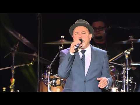 Rubén Blades con Roberto Delgado & Orquesta en vivo - Plástico.