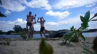 Сплав наш! Сплав по реке Десна 3-5 июля 2015 год(Трек: ТНМК - В наступному., 2015-07-10T05:52:37.000Z)