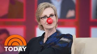 Jane Lynch Previews 'Red Nose Day Special,' 'Hollywood Game Night' | TODAY