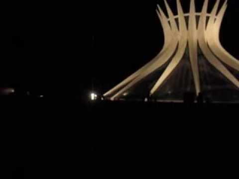MVI 9336 Brasilia cathédrale nuit extérieurs 360°