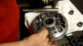 EPI Clutch Kit roller/weights install on a Suzuki 700 KingQu
