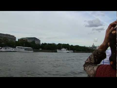 Short Tour in the heart of London's Thames River