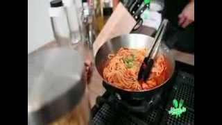 Membuat Spaghetti Pomodoro