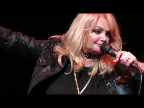 Bonnie Tyler - Holding Out For A Hero (live in Melbourne 29 May 2017)