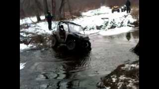 Arctic Cat Wildcat 1000 vs Can Am Commander 1000 Climbing out of Creek Bank