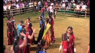Gujarati  Song Garba Navratri Live 2011 - Lions Club Kalol - Ratansinh Vaghela - Day -5 Part -2