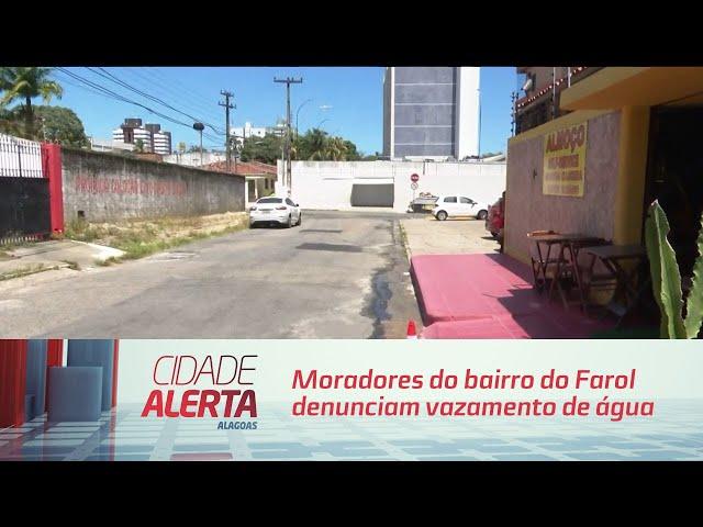 Água Potável: Moradores do bairro do Farol denunciam vazamento