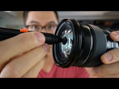 How to clean a lens