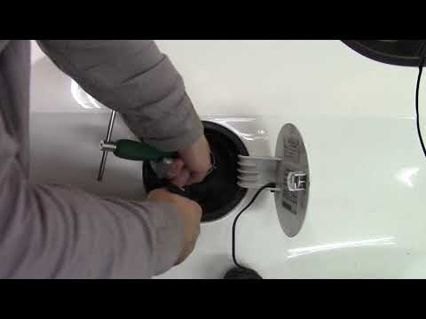 Как снять лючок бензобака на VW Polo.Gas cap cover removal VW polo.
