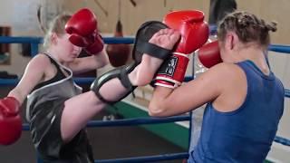 тайский бокс Вера Негодина - зарядка со звездой