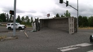 Dump Truck Rollover Accident Cleanup & Upright Tacoma WA