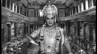 NTR's Viswaroopam scene in Raayabaram Veerabhimanyu-Nee sakhualan sahodarula padyam