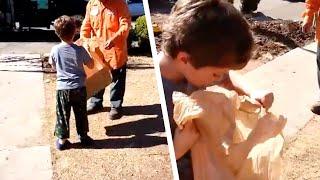 5歳の少年は、ゴミ収集作業員からもらった袋を開く。次の光景に両親は言葉を失った。