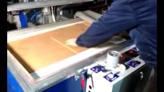 Изготовление стекол триплекс в горячем прессе(Процесс изготовления триплекса в мини-прессе Maxim DIP RP-1407. Производитель пресса: http://stankomax.ru/ г. Ярославль,..., 2014-05-21T09:54:04.000Z)