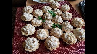 Салат в тарталетках. Как приготовить салат с курицей и ананасами