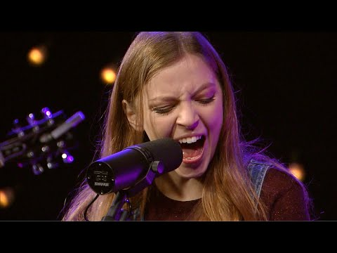 "Jade Bird""Uh Huh"" - KXT Live Session"