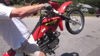 Basic Wheelie Technique: Foot Drag + Throttle on XR80