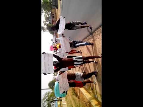 TARABA YOUTHS PROTEST AGAINST ABUJA PROSTITUTES thumbnail